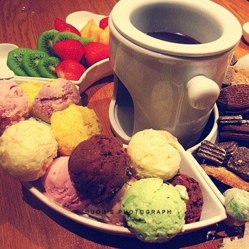 冰淇淋,另类图片:冰激凌火锅-可爱图片-76钱柜娱乐